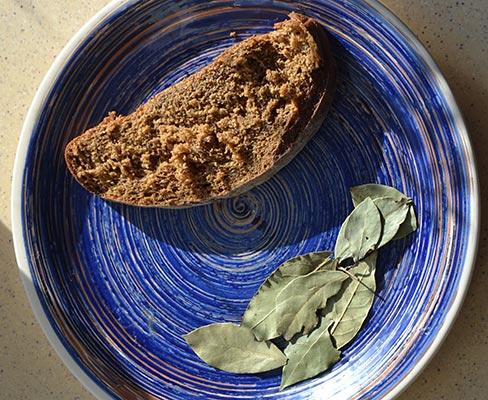 Лавровый лист и хлеб для волос