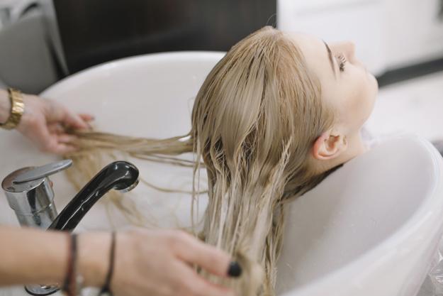 чем лечить сожженные волосы