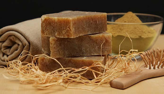 польза и вред хозяйственного мыла для волос