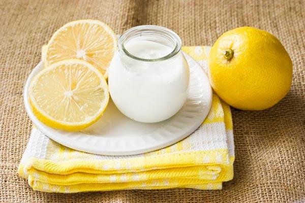 Маска с кефиром и лимоном для осветления волос