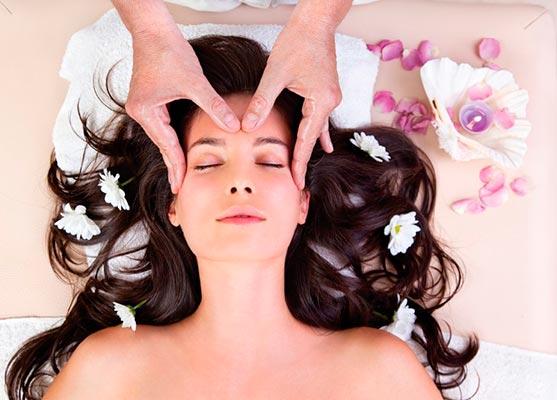 Почему во время массажа головы выпадают волосы?